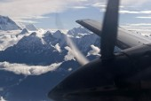 everest mountain flight 2.jpg